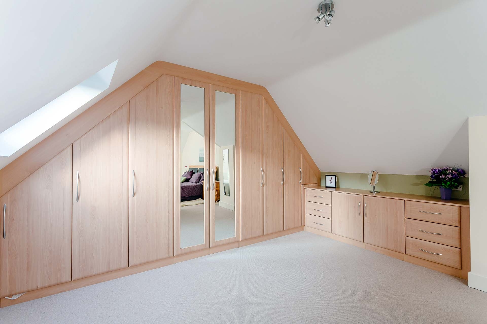Current Hampshire Wardrobes Pertaining To Fitted Furniture Hampshire – Custom World Bedrooms (View 1 of 15)