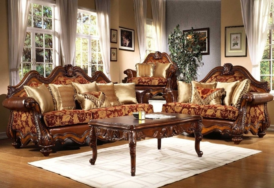 Eizw With Elegant Sofas And Chairs (View 2 of 10)