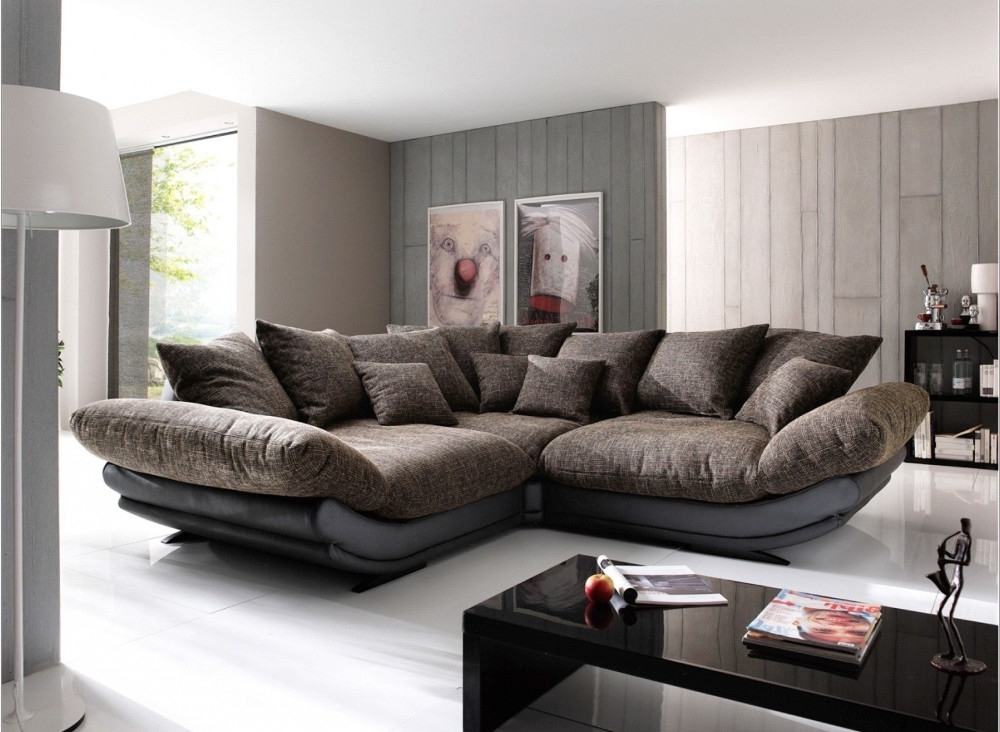 Excellent Comfortable Small Sectional Sofa For Simple Family Room Regarding Recent Large Comfortable Sectional Sofas (View 8 of 10)