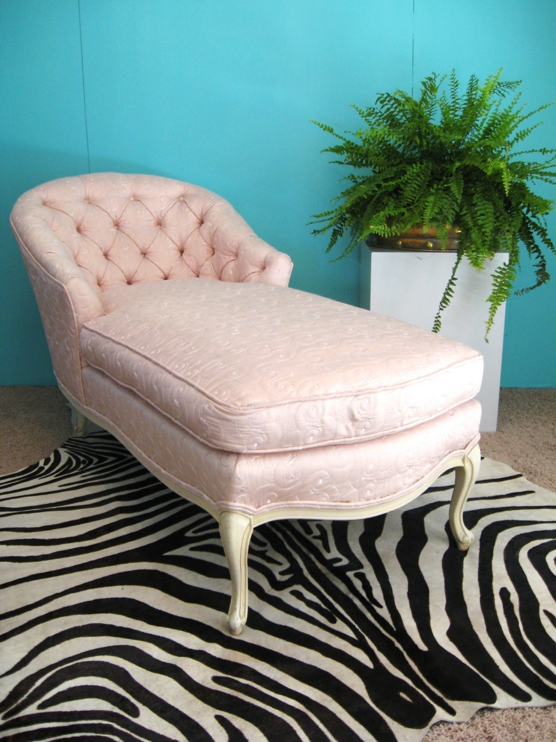 Fabulous French Pink Embroidered Silk Vintage Chaise Lounge Chair With Regard To Fashionable Vintage Chaise Lounge Chairs (View 9 of 15)