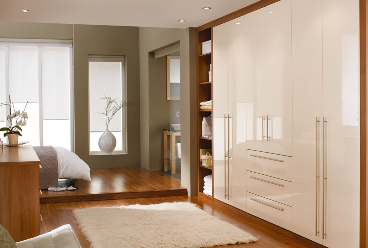 Famous Cream Gloss Wardrobes Doors Regarding High Gloss Cosmopolitan Bedroom Furniture Range In Classic Cream (View 7 of 15)