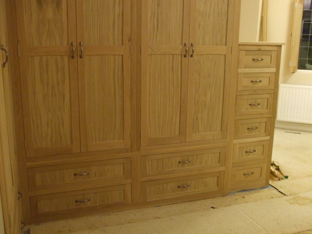 Fashionable L Shaped Fitted Oak Wardrobe Gallery (View 5 of 15)