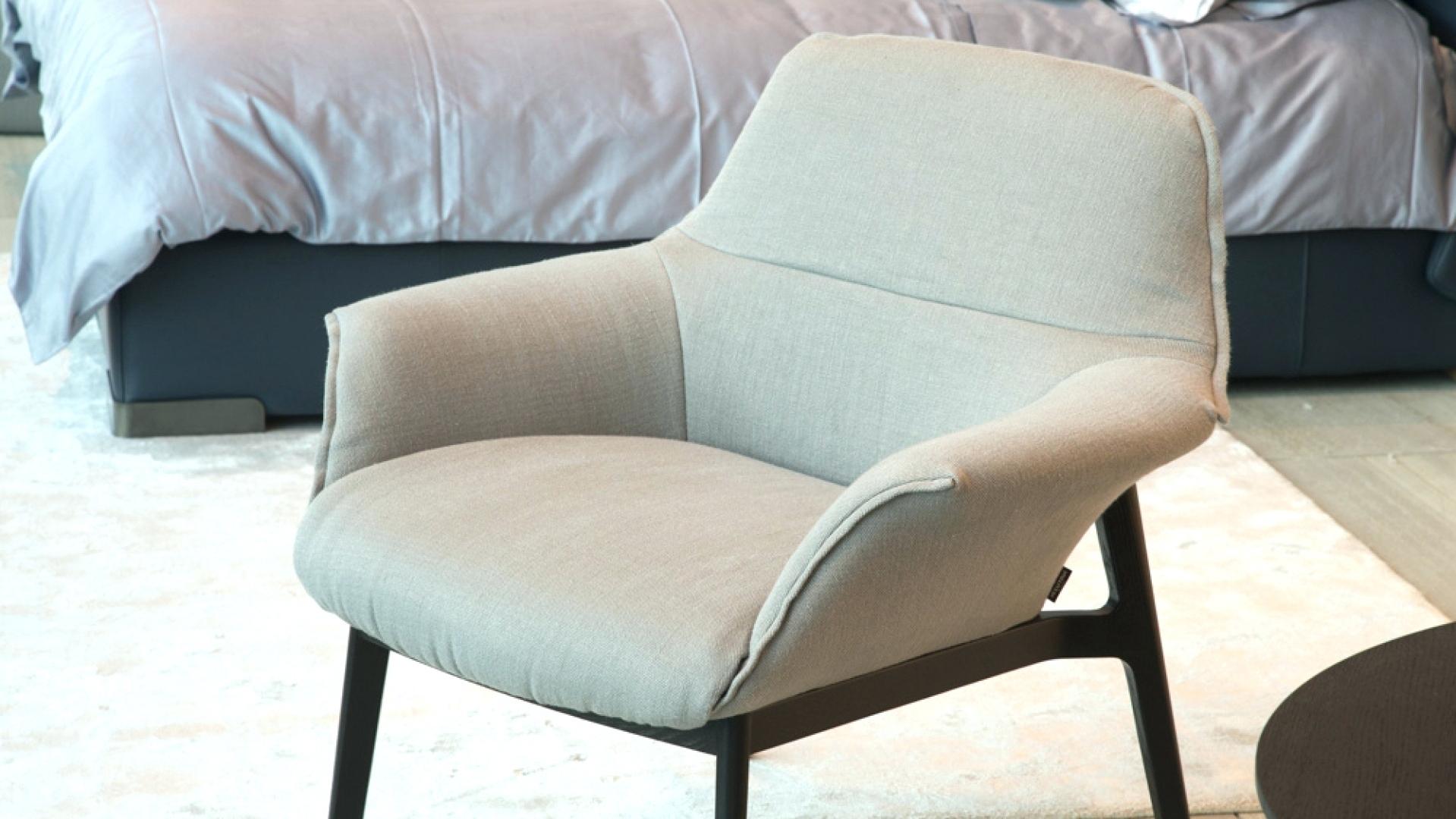 Fashionable Natuzzi Re Vive Lounge Chair And Stool Natuzzi Leather Lounge With Natuzzi Zeta Chaise Lounge Chairs (View 6 of 15)
