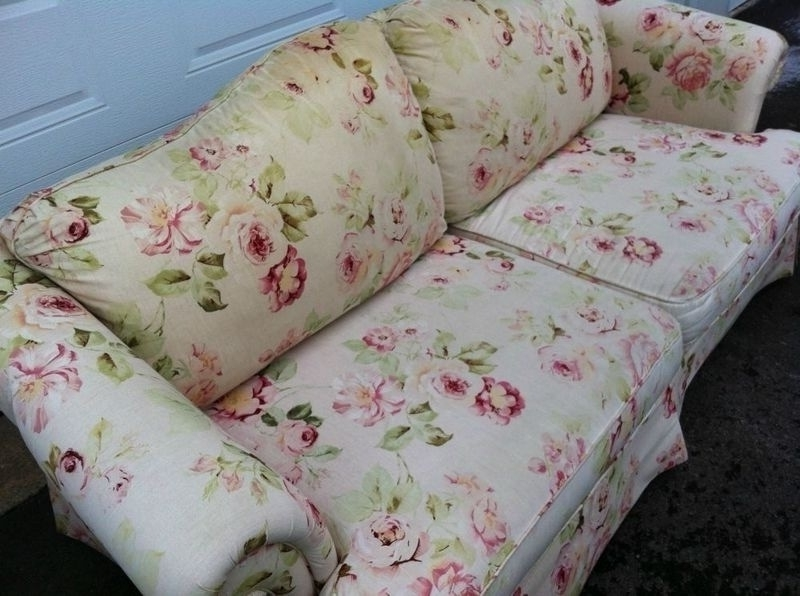 Floral Sofas In Style – Tantani (View 7 of 10)
