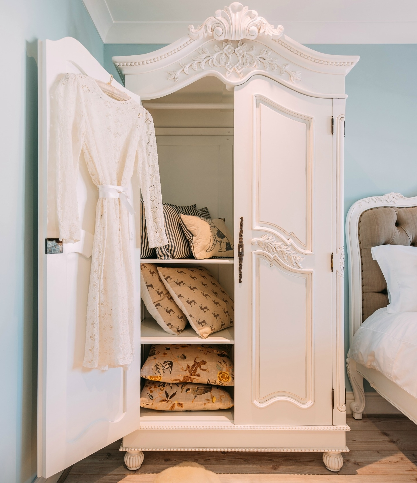 French White Hand Carved Double Armoire Wardrobe Furniture – La Regarding Latest Armoire French Wardrobes (View 3 of 15)