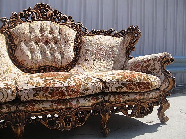 Furnishings With Fashionable Antique Sofas (View 9 of 15)