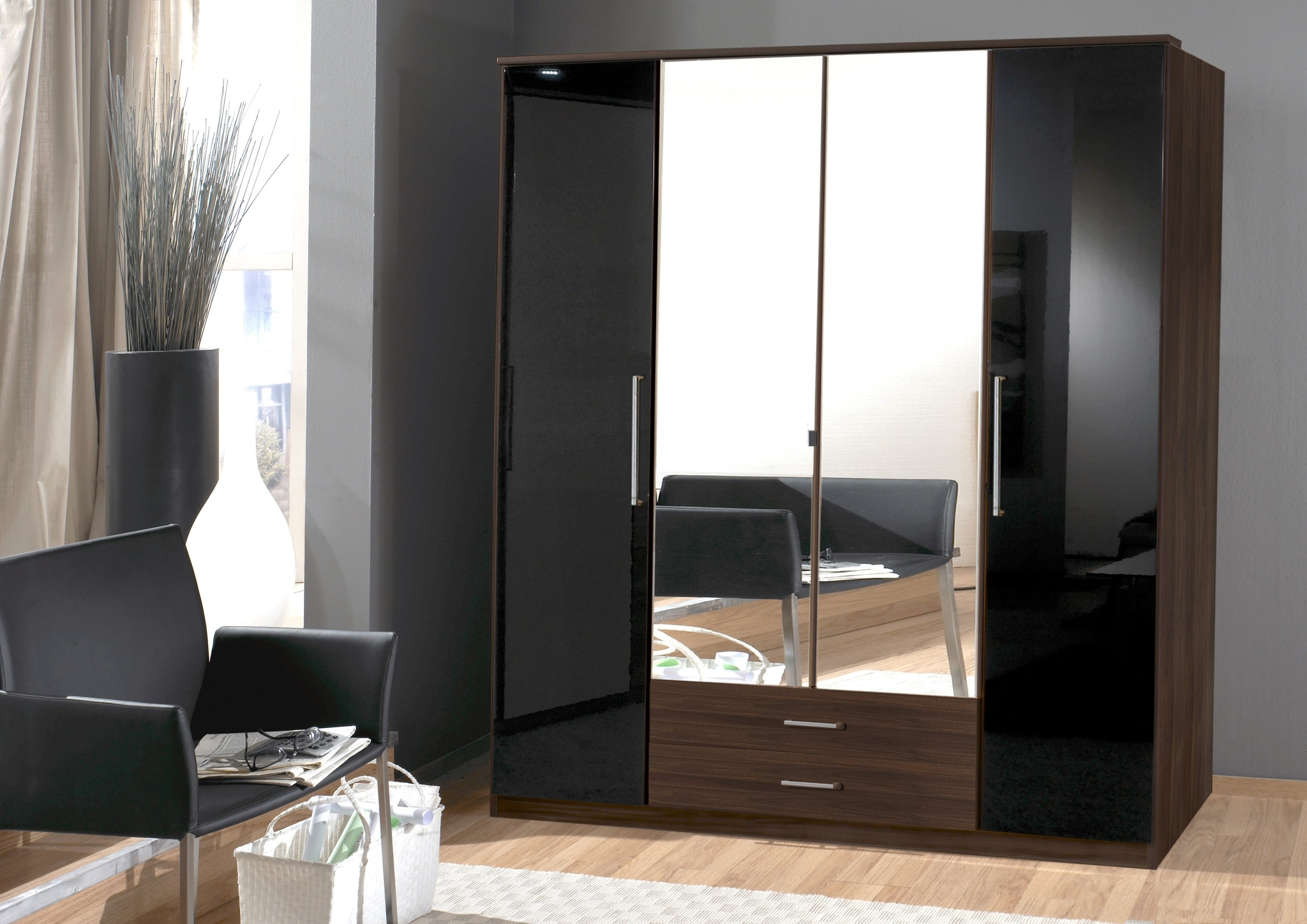 Gloss Black Wardrobes Inside Most Up To Date High Gloss White Wardrobes Sliding Wardrobe Doors Black That Can (Gallery 7 of 15)