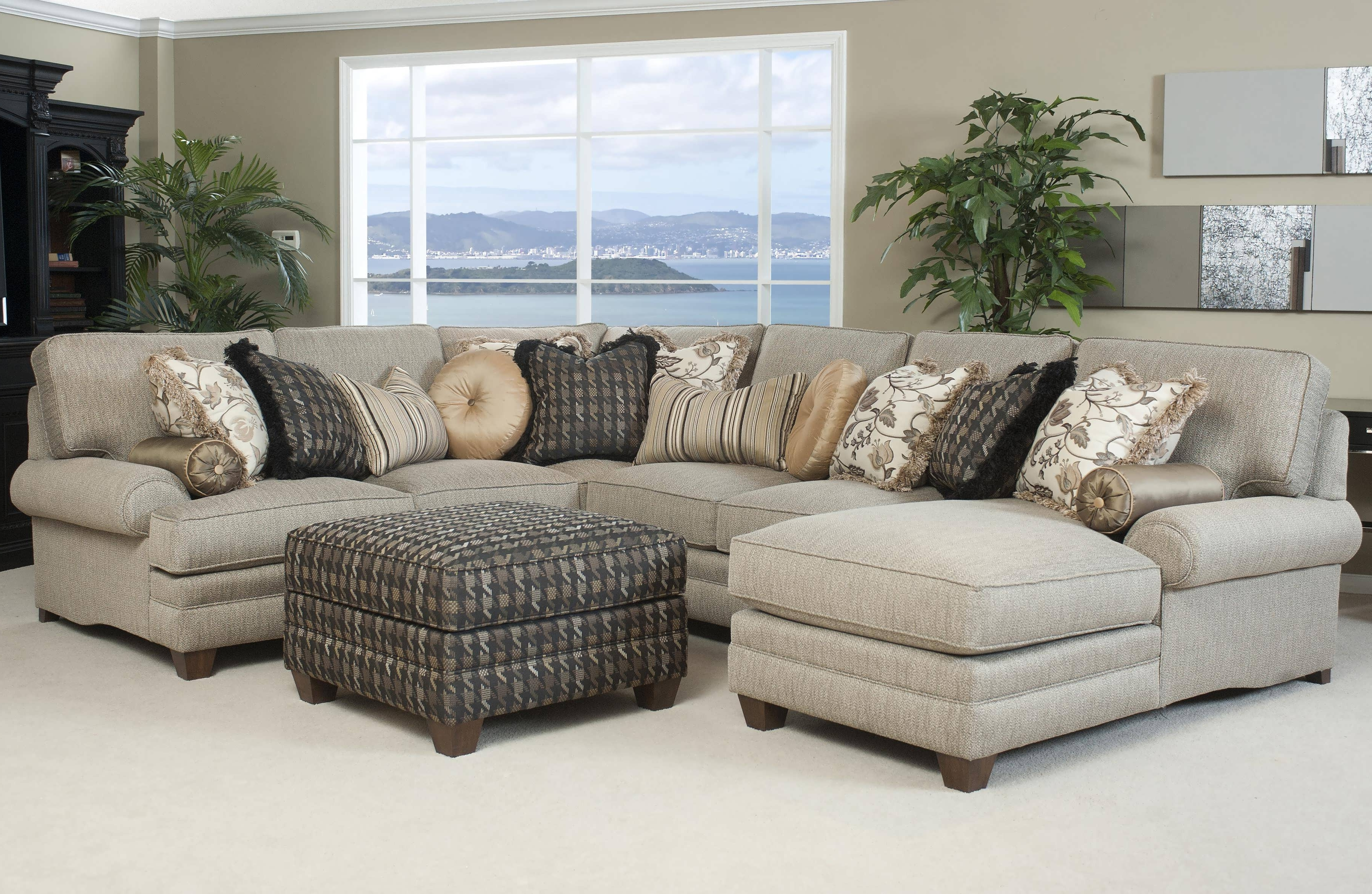 Grey Chaise Sectionals Intended For Preferred Sofa : Oversized Sectionals Grey Sectional Large Sectional Sofas (View 7 of 15)