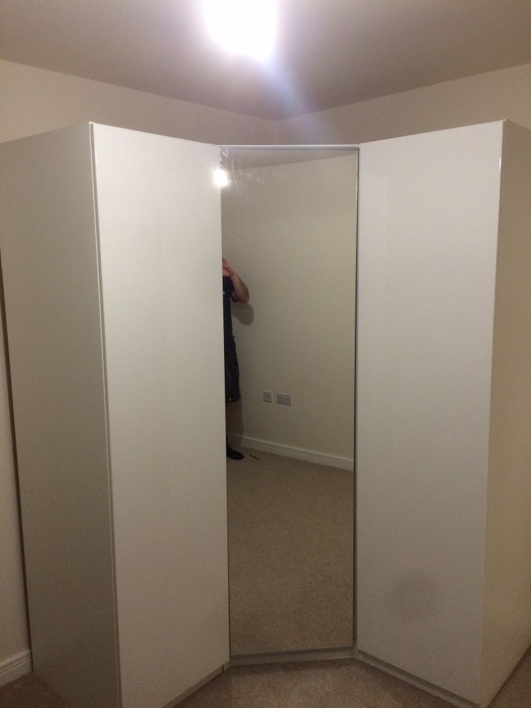 In In Corner Mirror Wardrobes (View 6 of 15)