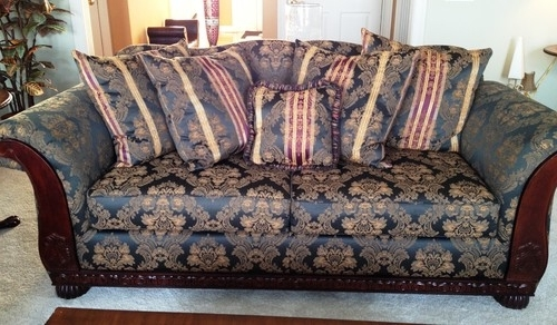 Is This Sofa Design/print Still In Fashion? Pertaining To Most Popular Old Fashioned Sofas (Gallery 6 of 10)