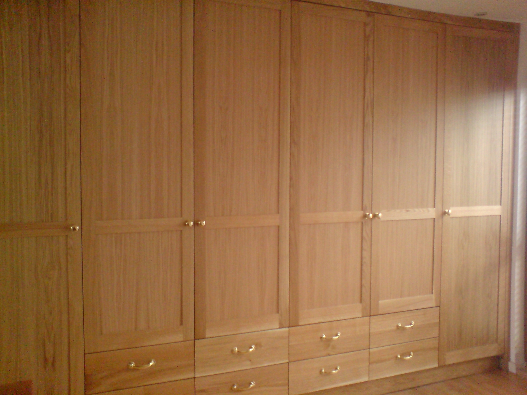 Large Fitted Oak Wardrobes (View 7 of 15)