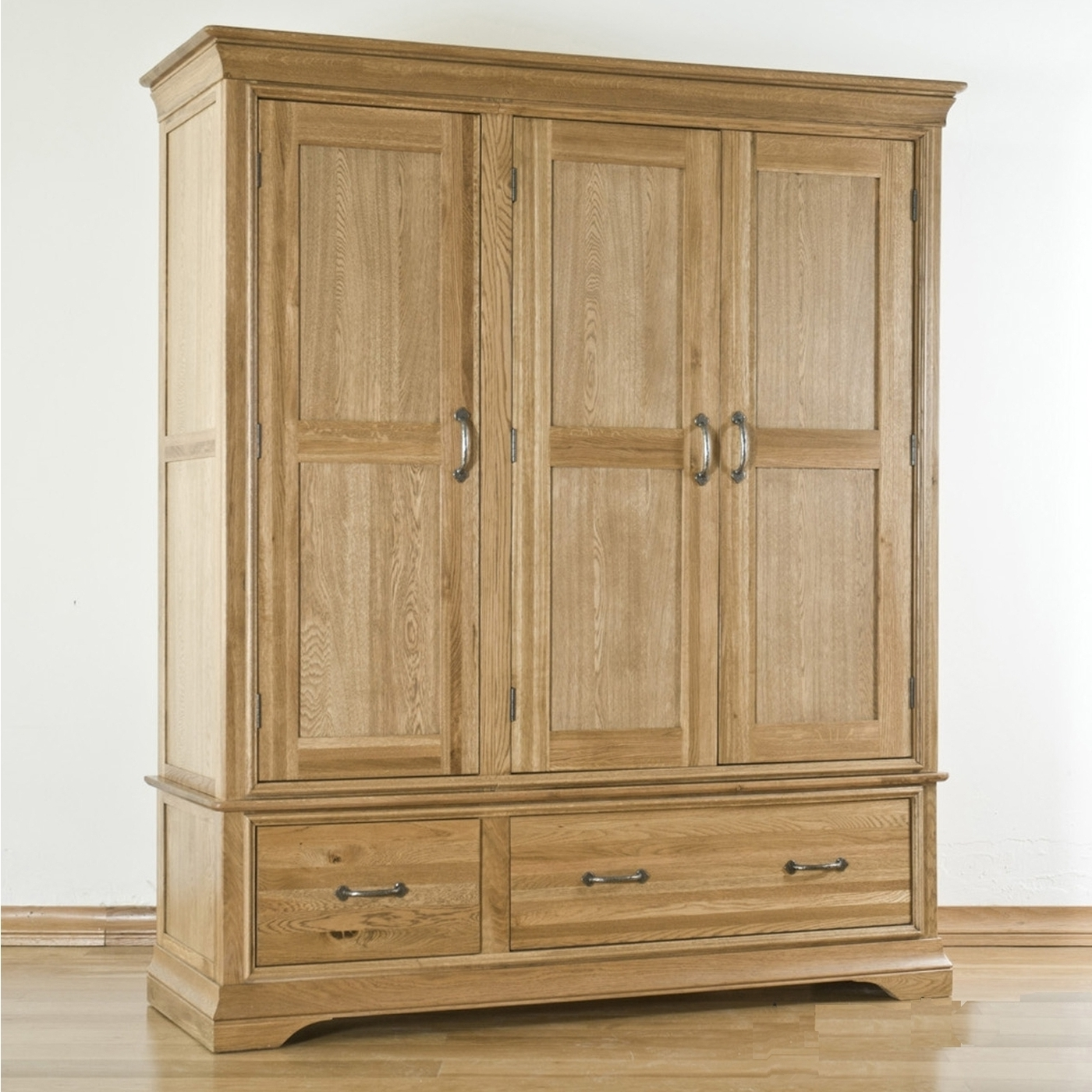Large Oak Wardrobes Regarding Popular Toulon Solid Oak Furniture Triple Bedroom Large Storage Wardrobe (View 9 of 15)