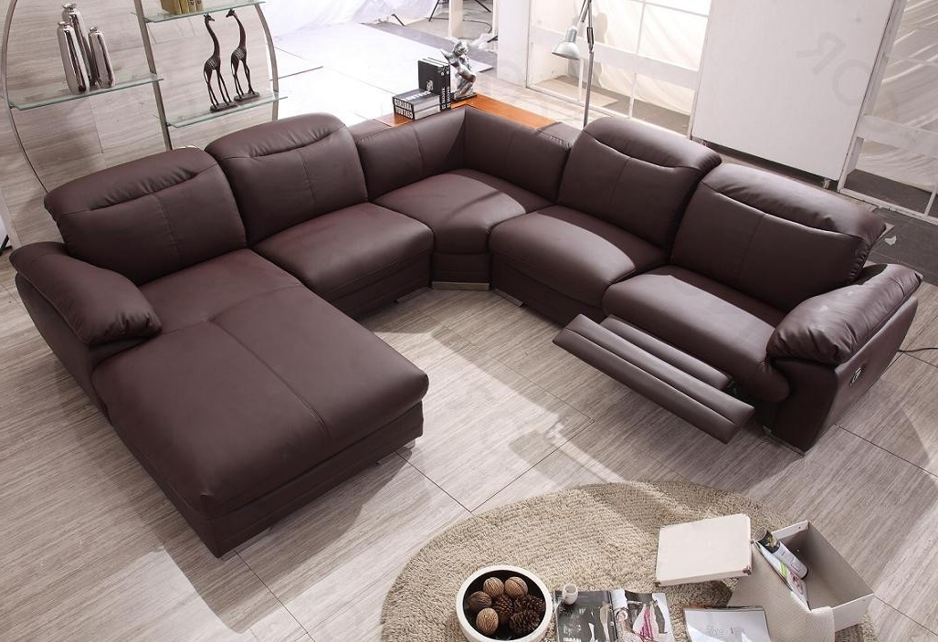 Latest Contemporary Sectional Sofa With Recliner : Modern Contemporary In Sectional Sofas For Small Spaces With Recliners (View 3 of 10)