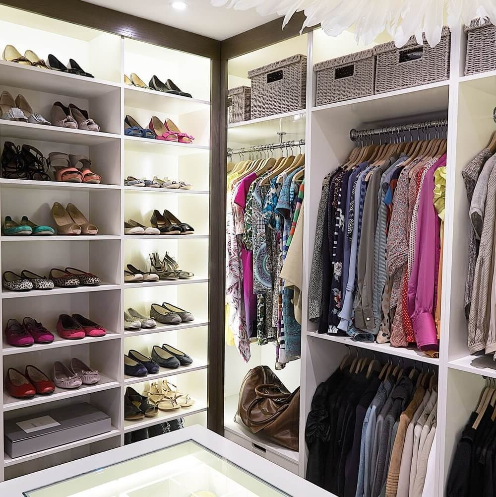 Latest Hampshire Wardrobes Within Fitted Walk In Wardrobes – Showroom In Hampshire (View 2 of 15)