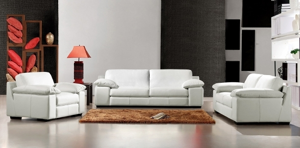 Living With Best And Newest Mid Range Sofas (View 4 of 10)