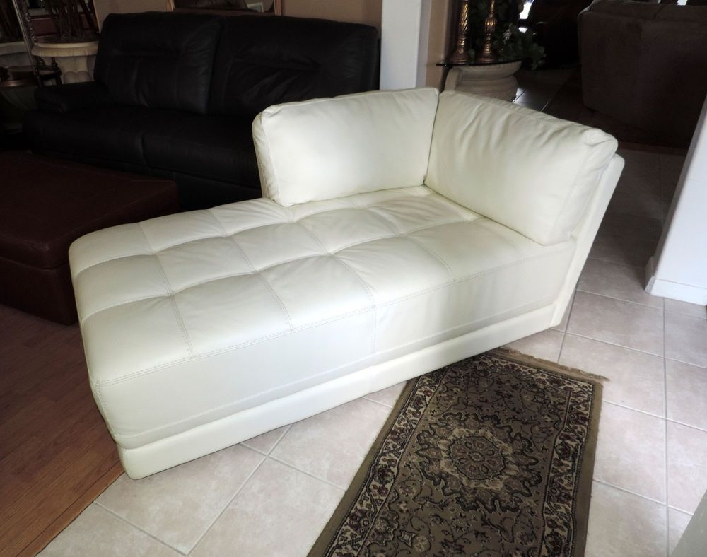 Macy's Traverso Modern White Leather Chaise Lounge*we Ship With Regard To Latest White Leather Chaise Lounges (View 6 of 15)