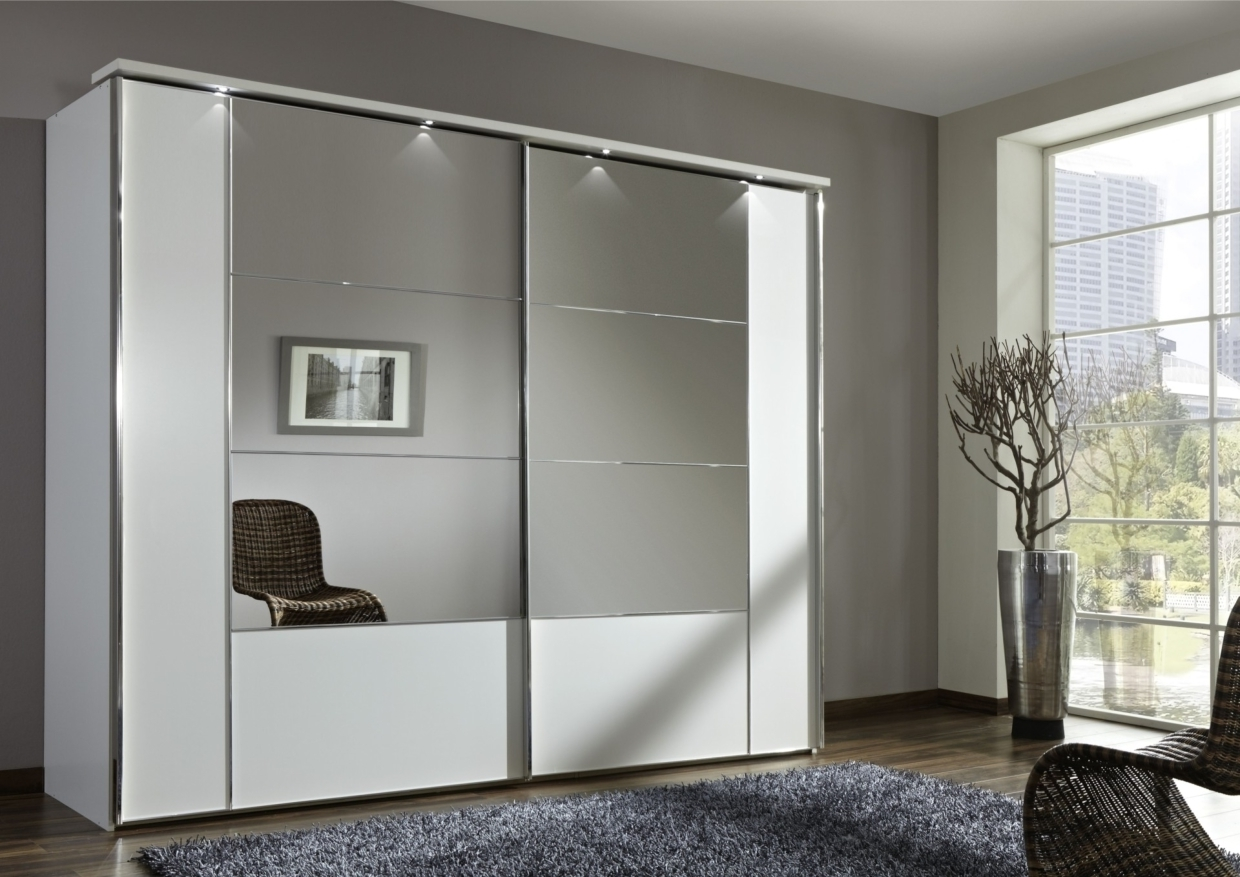 Mirror Wardrobes Within Fashionable 17 Irresistible Closet Designs With Mirror Doors (View 3 of 15)