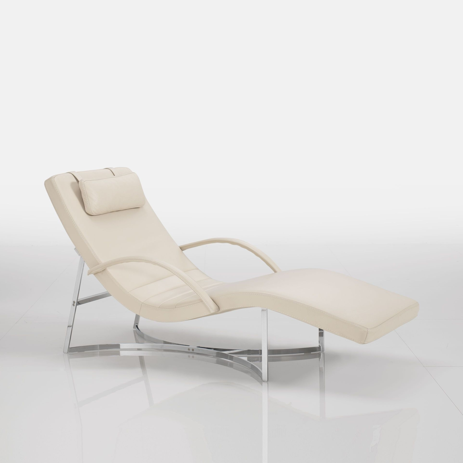 Modern Chaise Lounges With Regard To Popular Vulcano Modern Chaise Lounge (View 12 of 15)