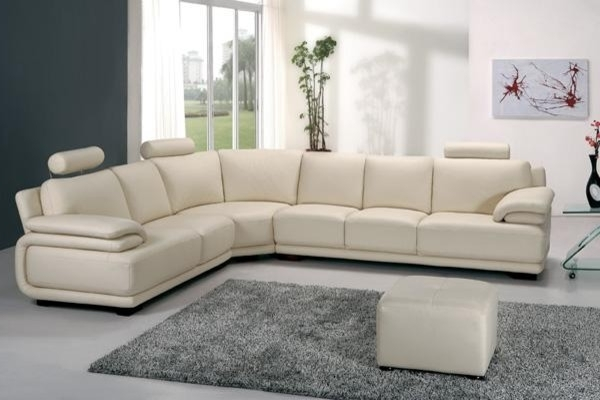 Modern Off White Leather Sectional Sofa With Adjustable Headrests Throughout Popular Off White Leather Sofas (View 4 of 10)