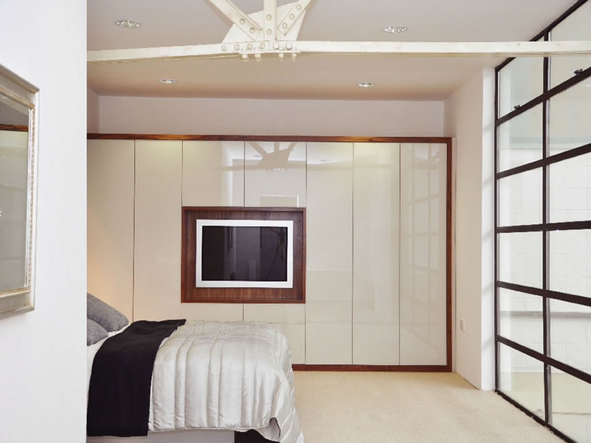 Most Current Funky High Gloss Bedroom Furniture Design – Hgnv With Cream Gloss Wardrobes (View 7 of 15)