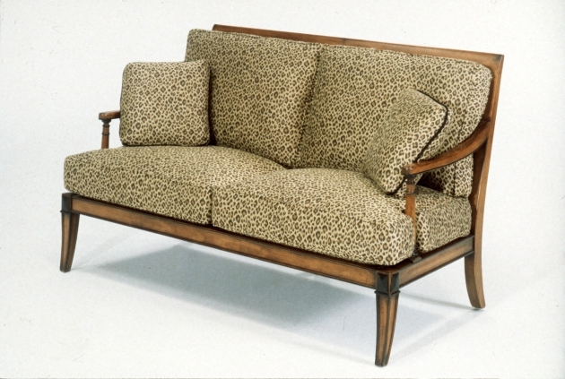 Featured Photo of Old Fashioned Sofas