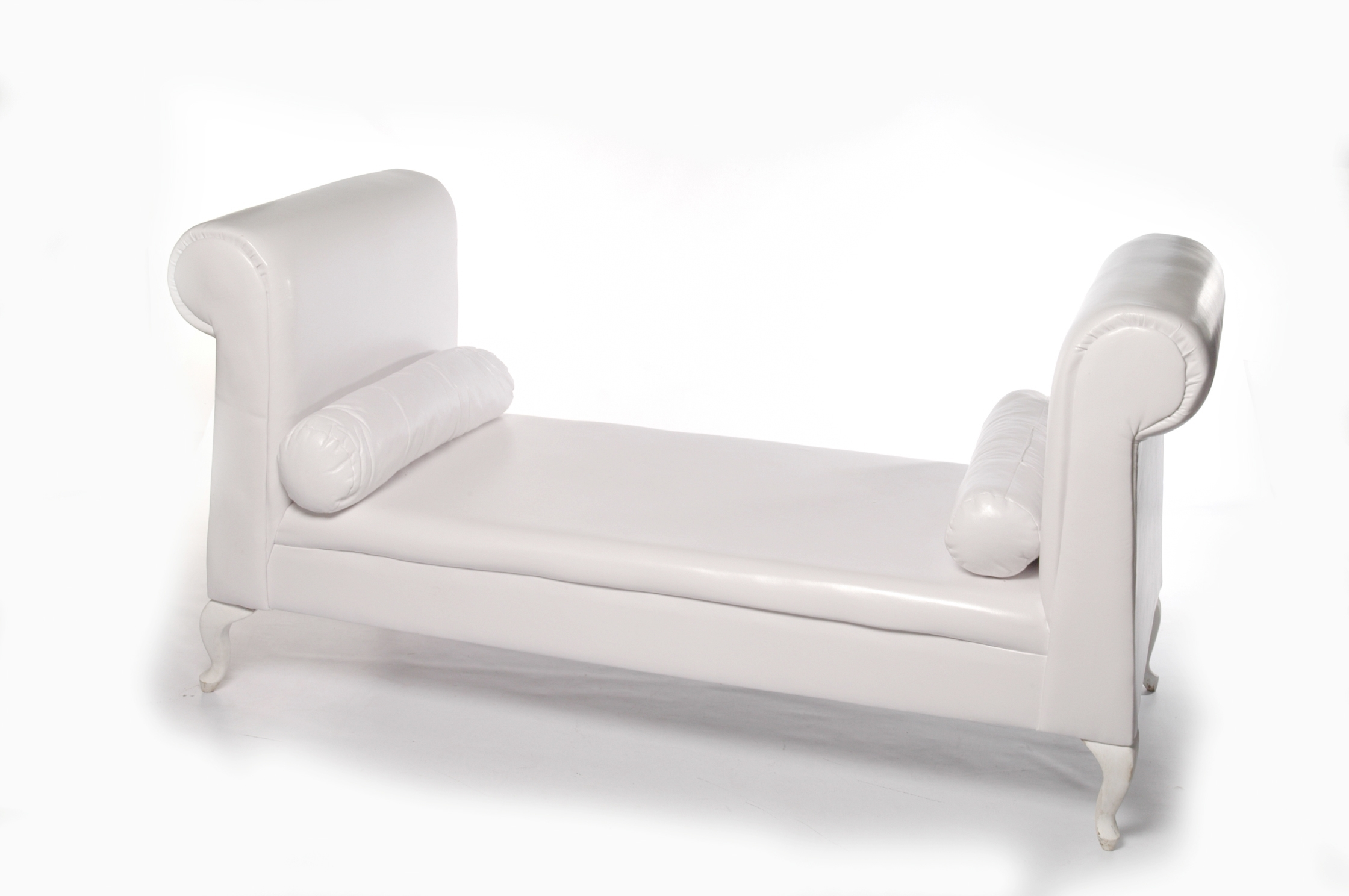 Most Popular White Chaise Lounges Pertaining To How Really Beautiful White Chaise Lounge Design Ideas (View 14 of 15)