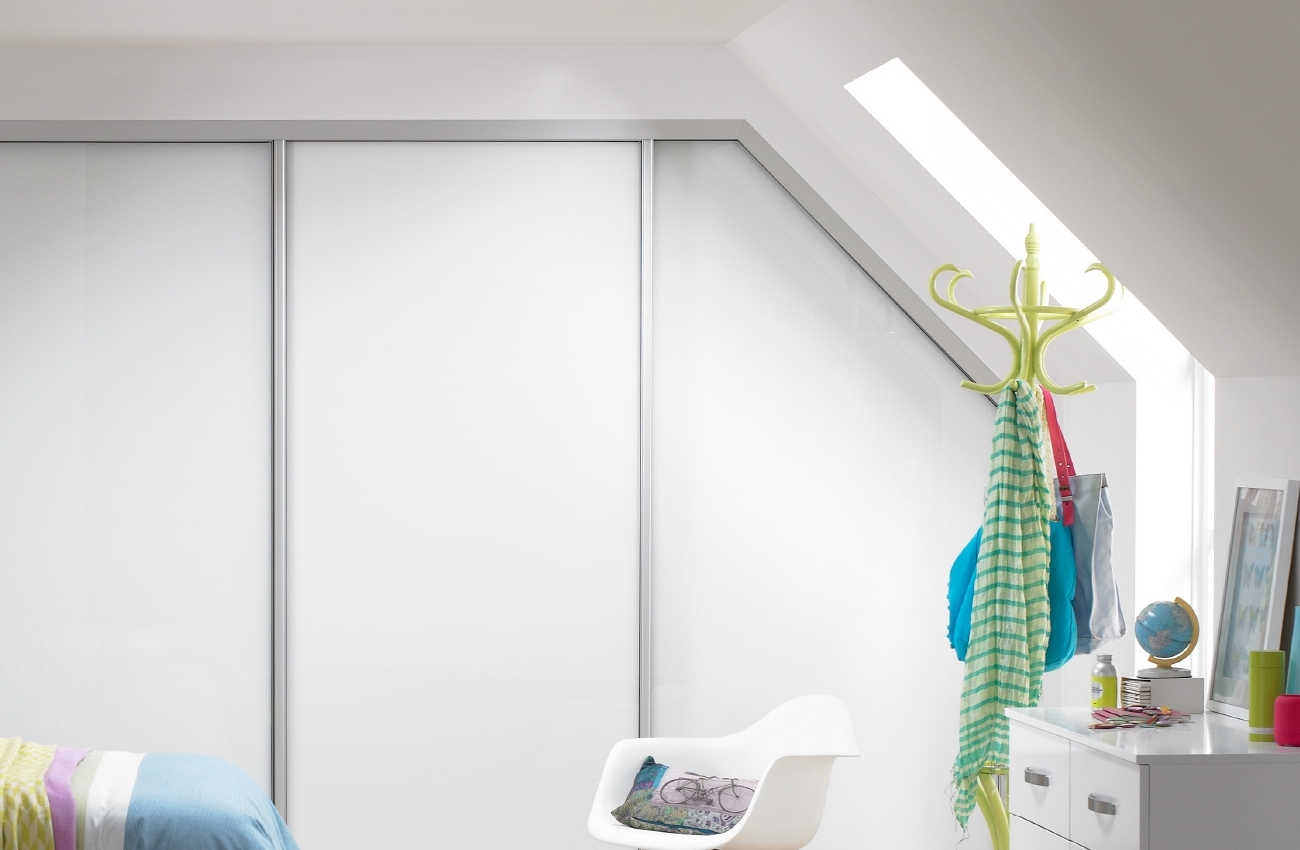 Most Recent Cameo Wardrobes Regarding White Glass Teen Bedroom (View 8 of 15)