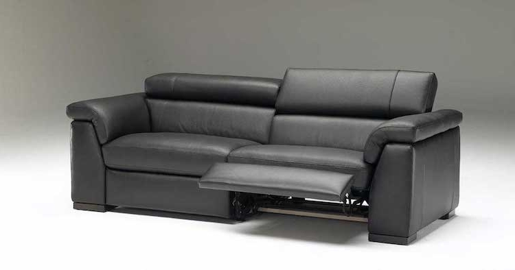 Most Recent Recliner Sofas Within Top 10 Leather Reclining Sofas Reviewed In  (View 3 of 10)