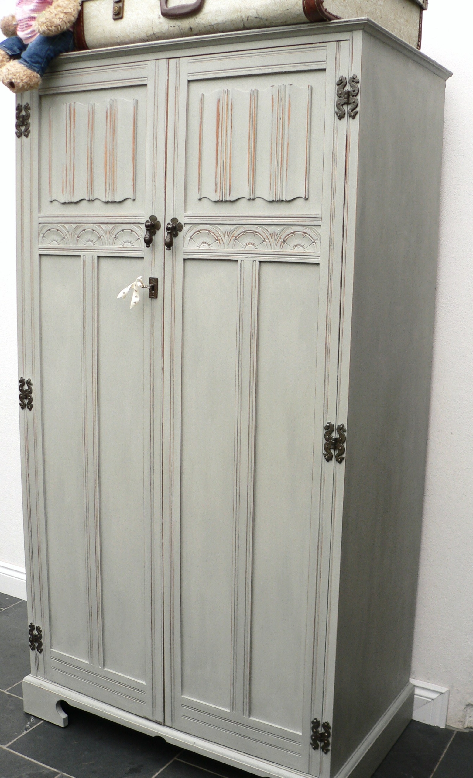 Most Recent Vintage Style Wardrobes With Vintage Wardrobe (View 3 of 15)