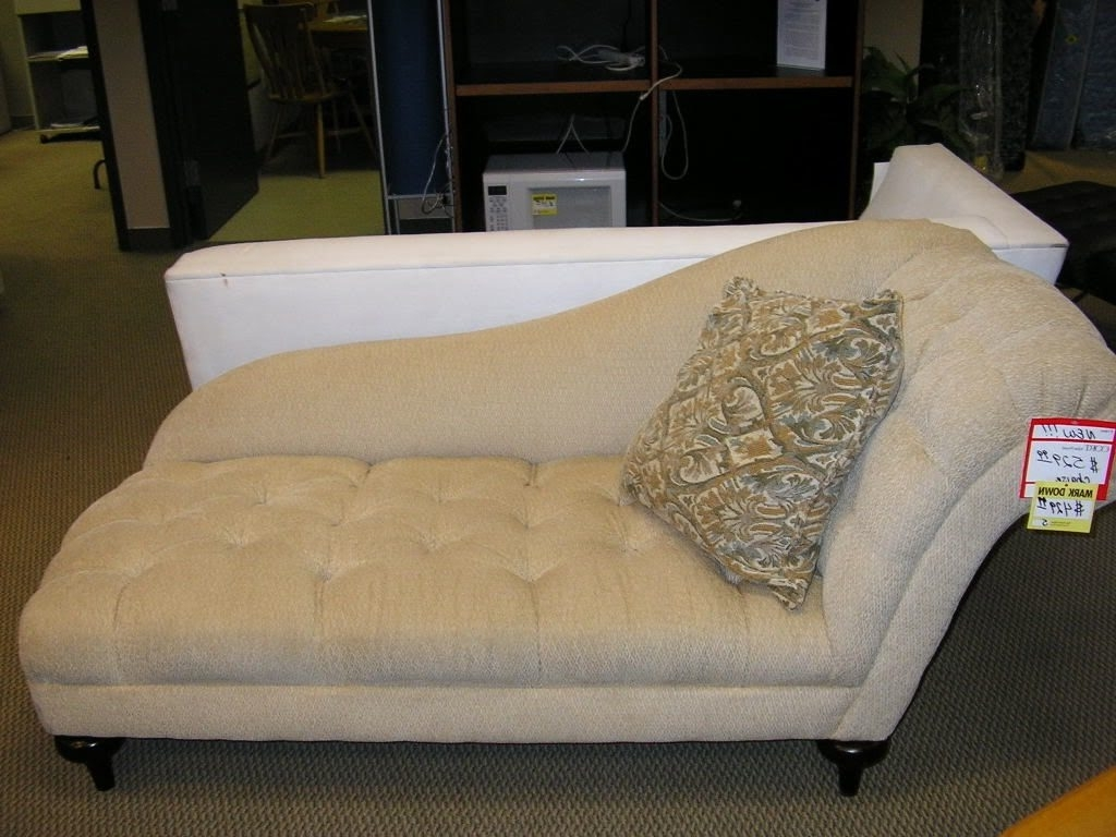Most Recently Released Small Chaise Lounge Chairs For Bedroom Pertaining To Small Bedroom Chair : Awesome Tufted Chaise Lounge Chair And A (View 7 of 15)