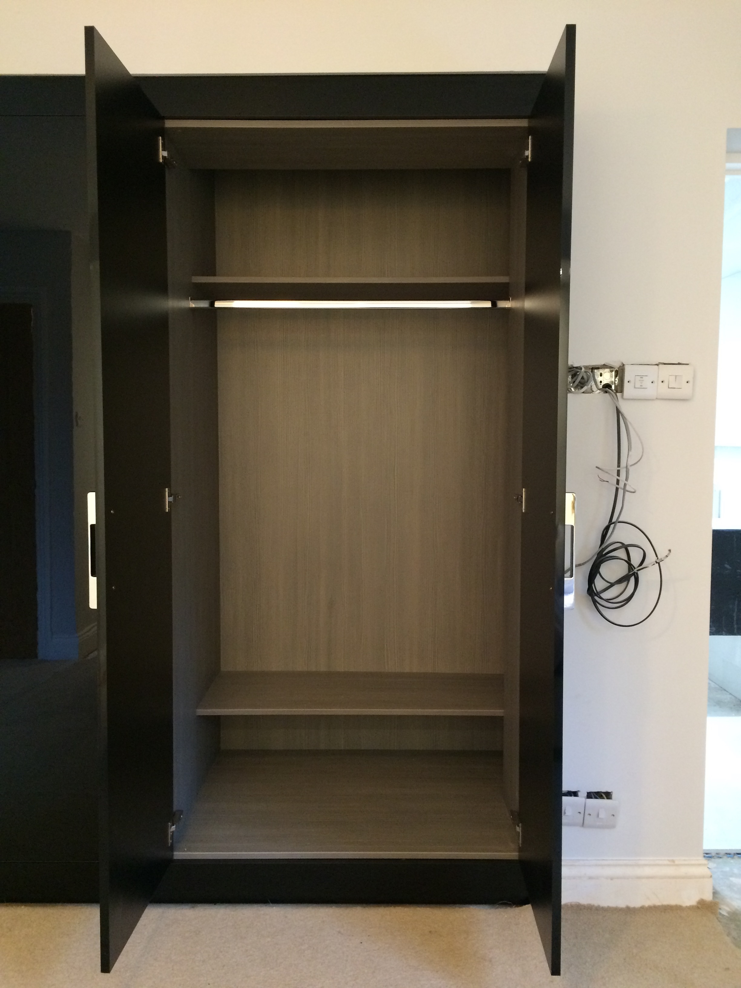Most Up To Date Black Gloss Wardrobes Pertaining To Fitted Black Gloss Wardrobes (View 10 of 15)