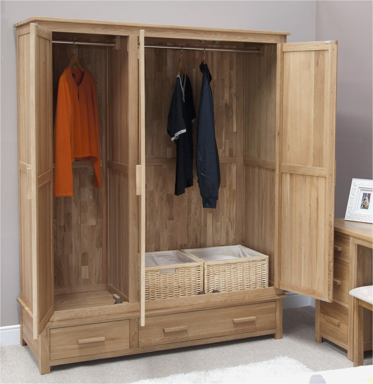 Oak Wardrobes For Sale Inside Most Recently Released Pine Oak Furniture Awesome Triple Wardrobe Wardrobes Buy Pine Oak (View 7 of 15)