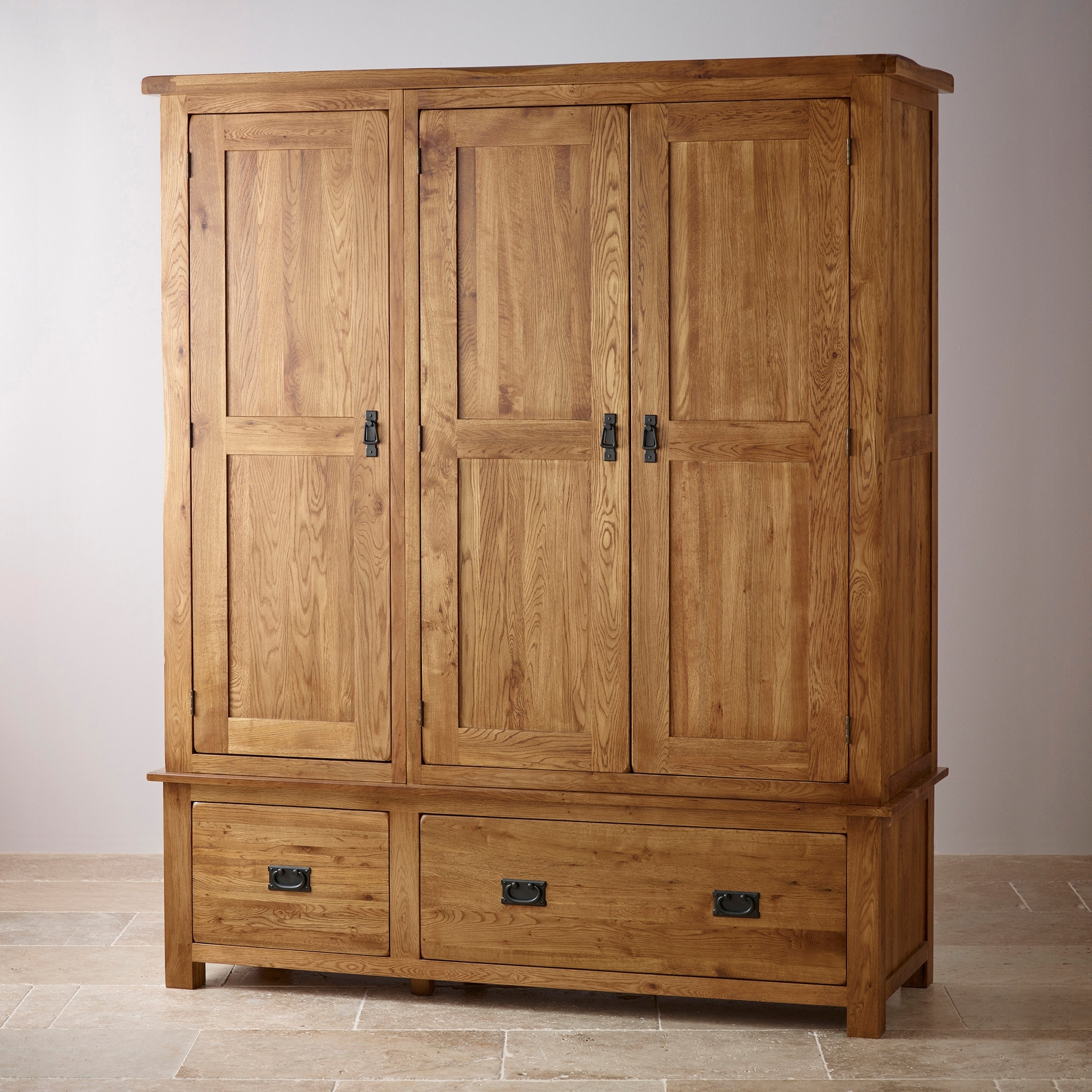 Original Rustic Triple Wardrobe In Solid Oak (View 13 of 15)