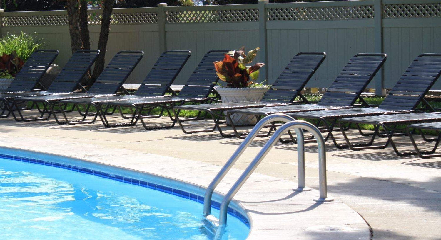 Patiosusa In Widely Used Vinyl Strap Chaise Lounge Chairs (View 8 of 15)