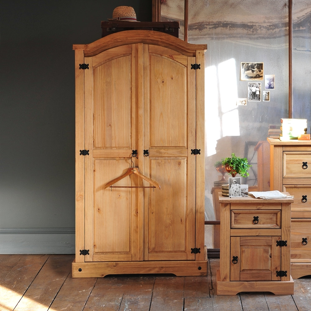 Pine Wardrobes For Adding Natural Texture To Homes – Furniture And Intended For Favorite Pine Wardrobes (View 7 of 15)