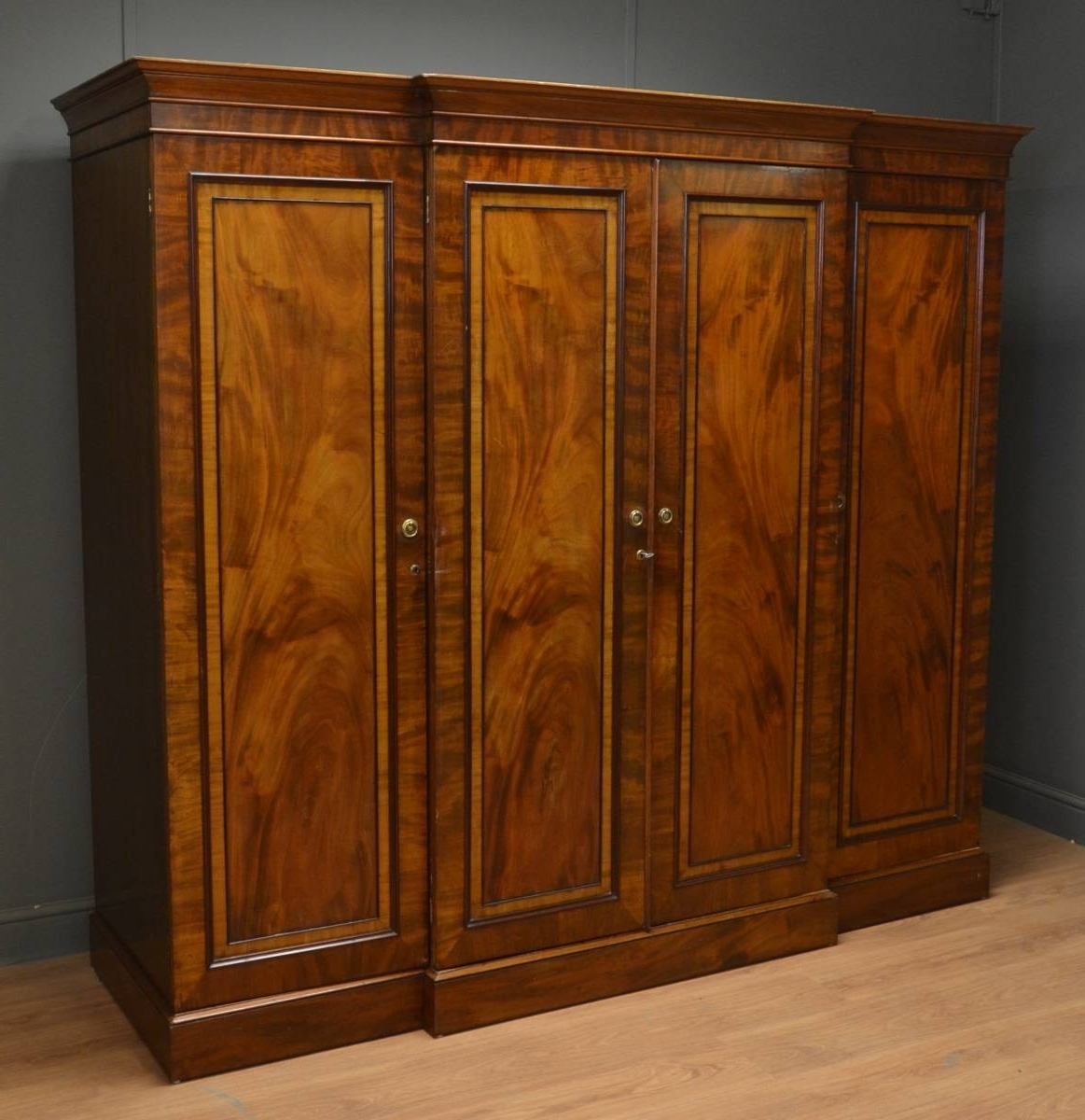 Popular Antique Triple Wardrobes With Regard To Small Regency Mahogany Antique Triple Wardrobe (View 14 of 15)