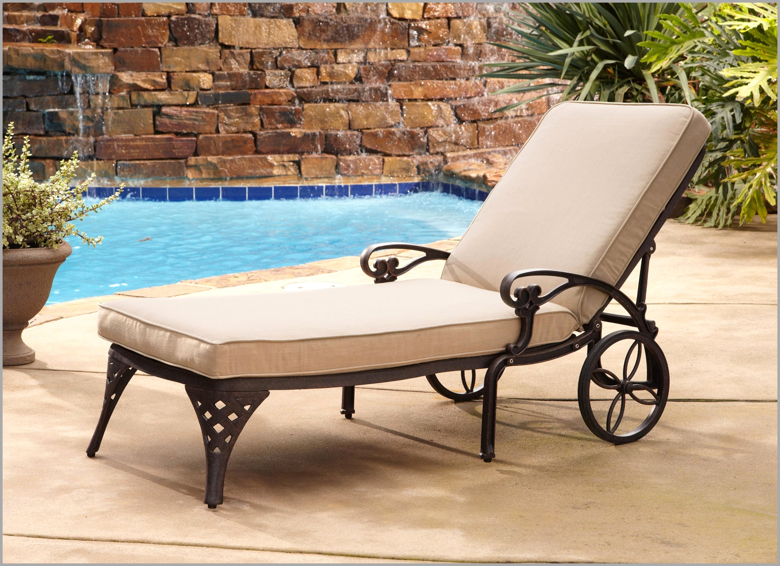Popular Chaise Lounge Chairs For Pool Area Inside Best Poolside Lounge Chairs Accessories 20316 – Chair Ideas (View 8 of 15)