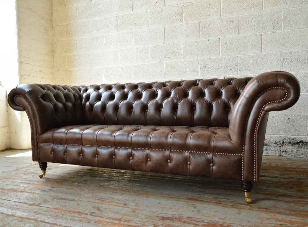 Popular Montana Old English Dark Brown Leather 3 Seater Chesterfield Sofa In Chesterfield Sofas (View 9 of 10)