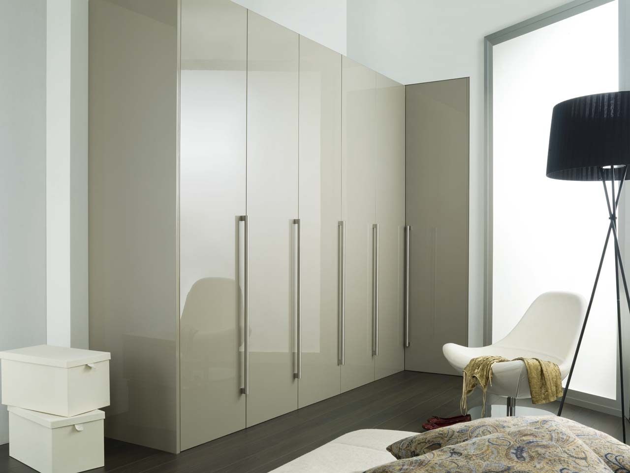 Porcelanosa Pertaining To White High Gloss Wardrobes (View 13 of 15)