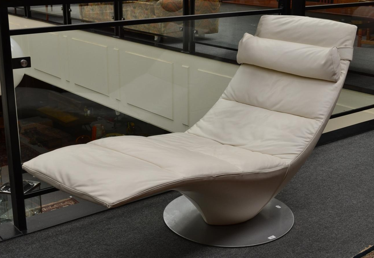Featured Photo of Natuzzi Zeta Chaise Lounge Chairs