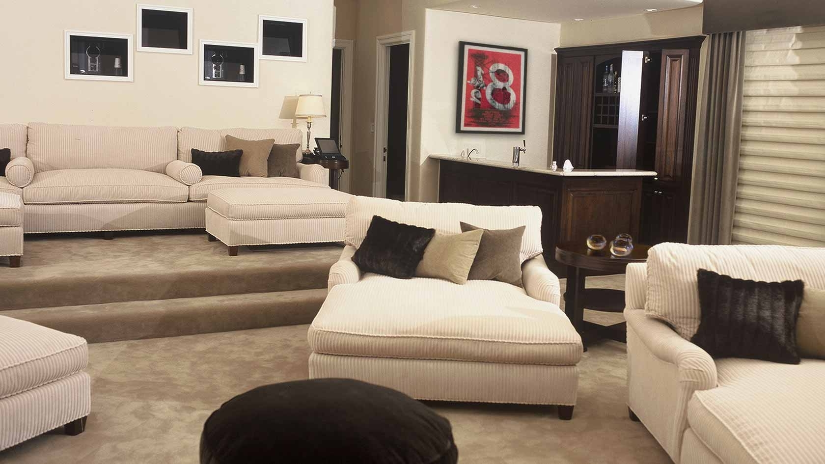 Preferred Oversized Chaise Lounges Intended For Furniture: Oversized Chaise Lounge Indoor Design With Brown Rug (View 13 of 15)