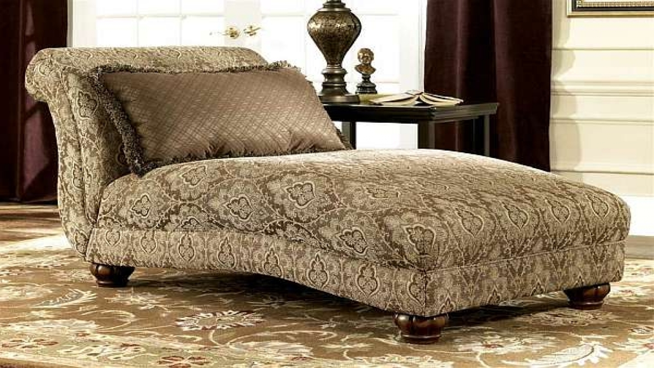 Round Chaise Lounges In Widely Used Ornate Brown Fabric Double Chaise Chair With Round Wooden Legs Of (View 11 of 15)