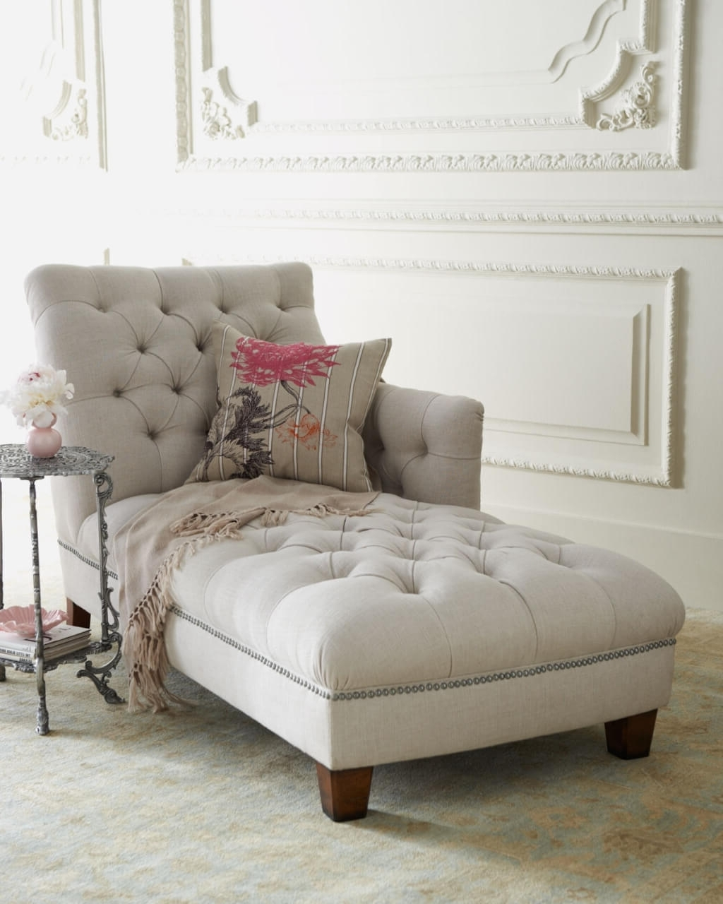 Round Chaises With Recent Furniture: Relaxing White Tufted Chaise Lounge With Small Round (View 11 of 15)