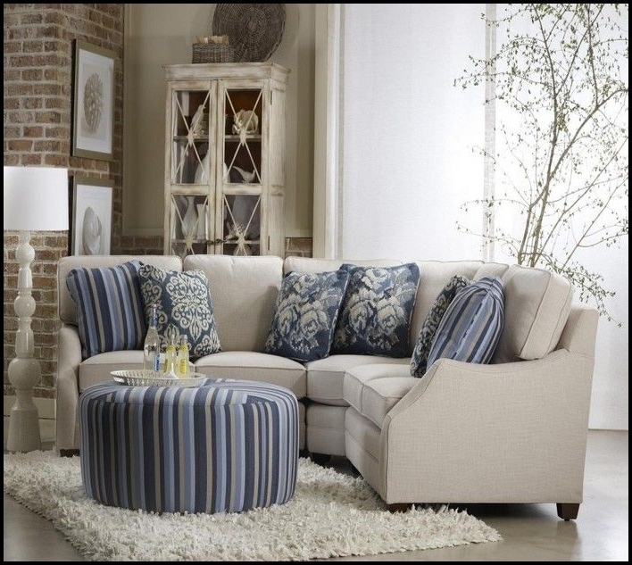 Small Scale Sectional Sofa (View 9 of 10)