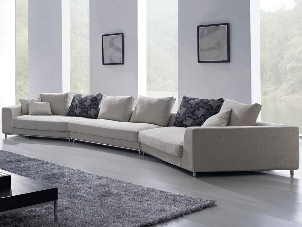 Sofas With Oversized Pillows Intended For Preferred Oversized Pillows For Couch (View 8 of 10)