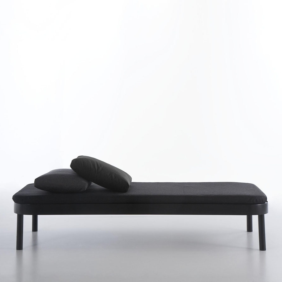 Stardust With Regard To Modern Chaise Lounges (View 13 of 15)