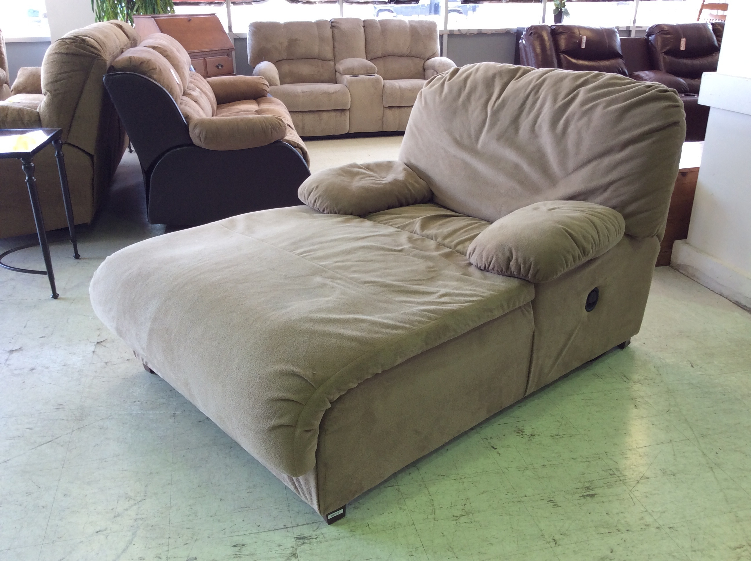 Trendy Decor Of Chaise Lounge Recliner With Luxurious Leopard Print And Pertaining To Chaise Lounge Recliners (View 4 of 15)