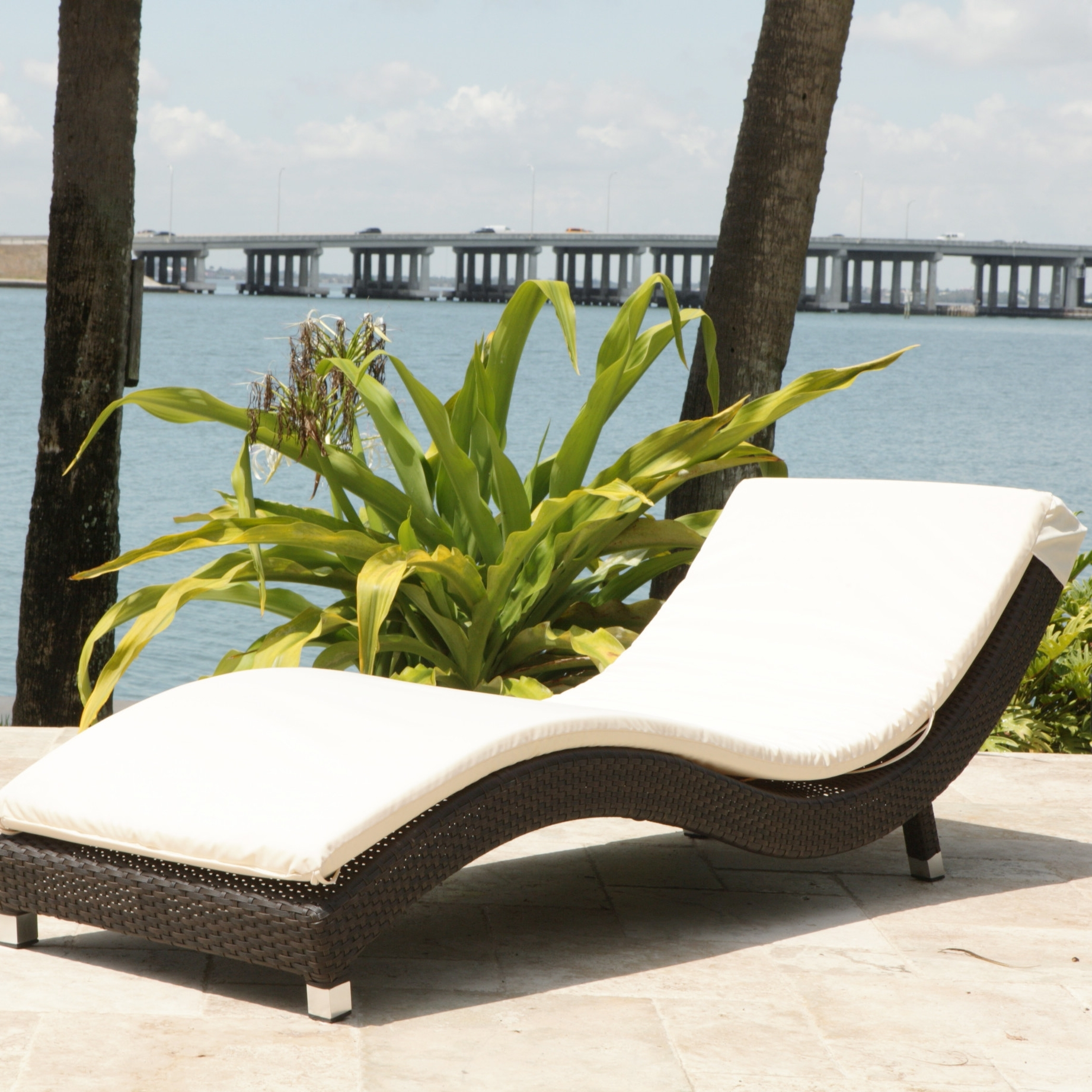 Unique Pool Chaise Lounge Chairs — Bed And Shower : Decorating Throughout Famous Contemporary Outdoor Chaise Lounge Chairs (Gallery 4 of 15)
