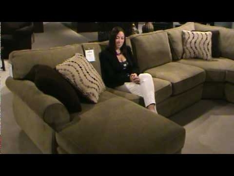 Veronica Sectional Sofabroyhill Furniture — Part I (View 9 of 10)