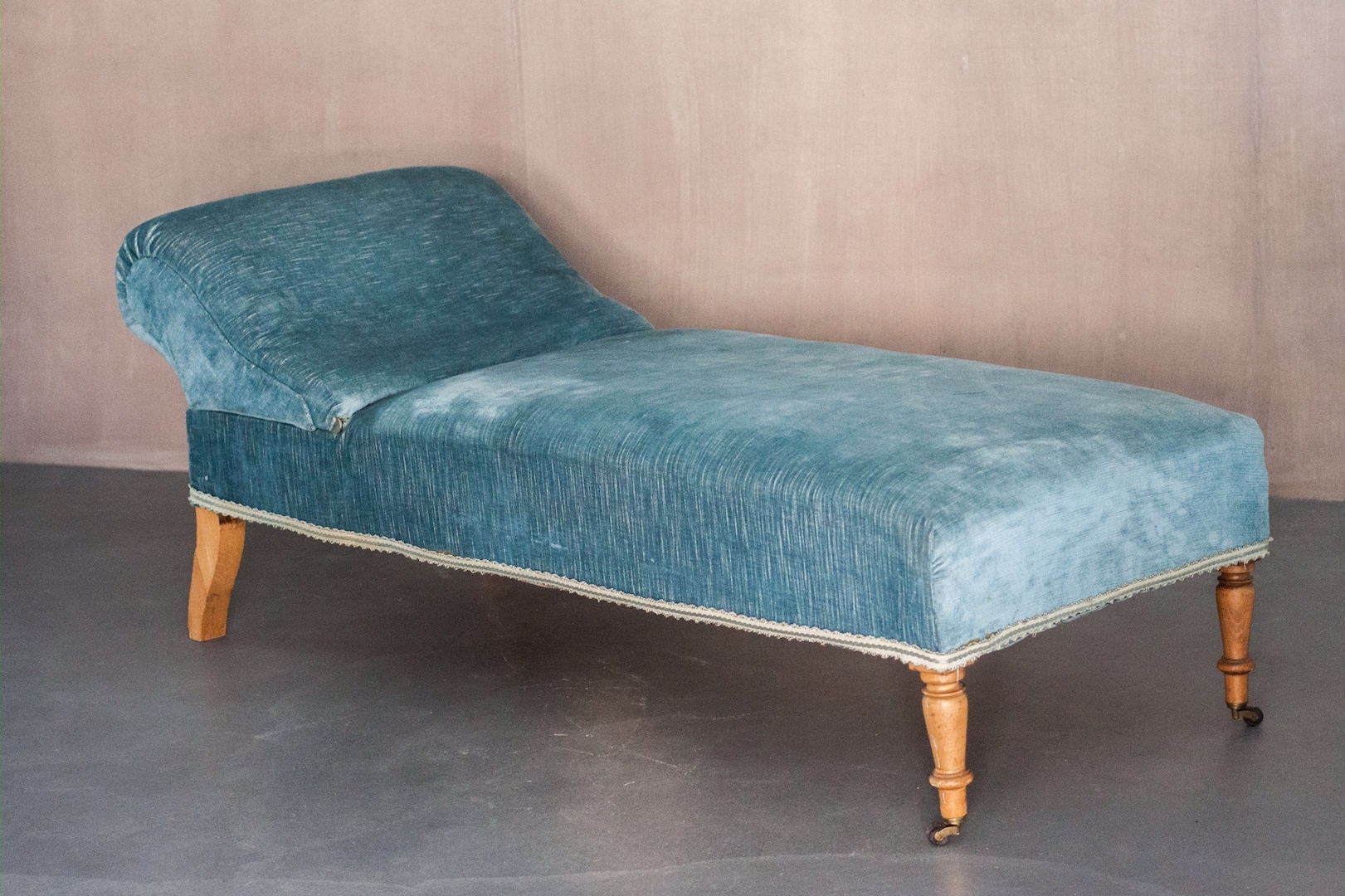 Vintage Chaise Lounge With Sky Blue Velvet Upholstery For Sale At Throughout Well Known Blue Chaises (Gallery 4 of 15)